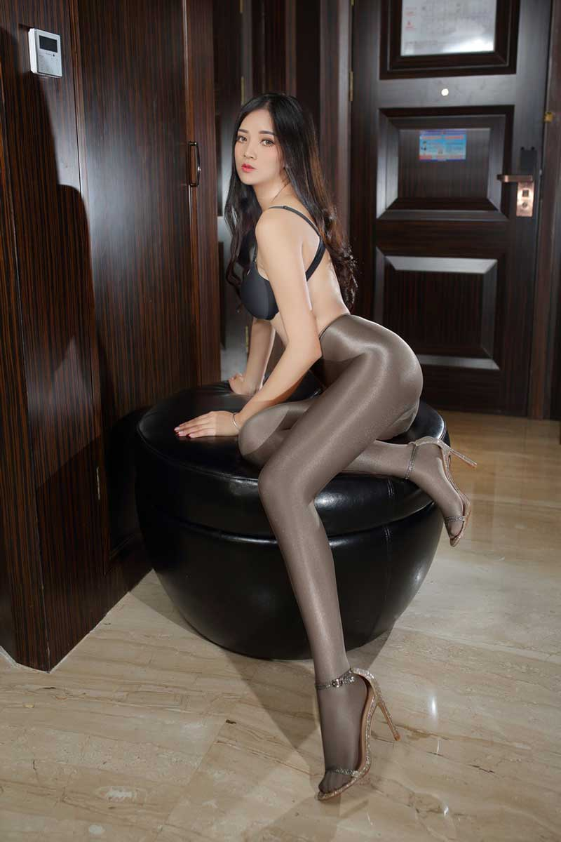 Buy shiny pantyhose