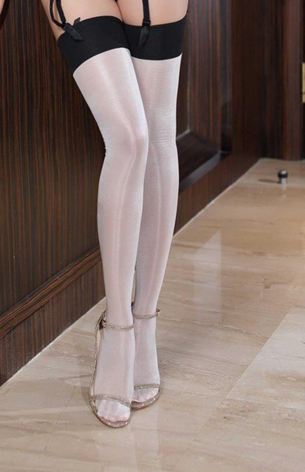 Pantyhose nylon stockings history
